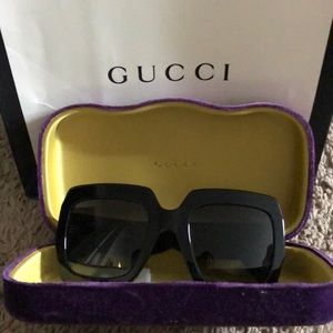 Accessories - Black Gucci Glitter Sunglasses